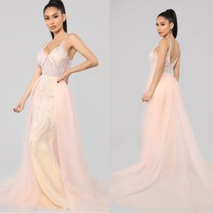 NWT If The Crown Fits Gown
